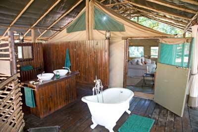 Chiawa-Camp-on-the-banks-of-the-Lower-Zambezi-IMG_9346-editedfor-EH-net