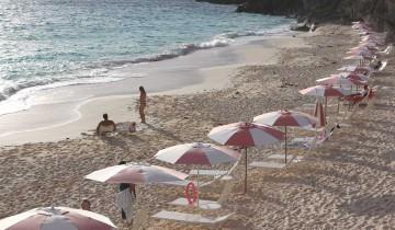 IMG_1915-Beach-at-The-Reefs-Bermuda