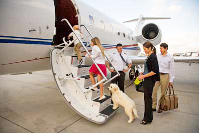 Schubach-Aviation-Family-boarding-aircraft-edited-for-EHnet